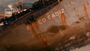 L'Amoco Cadiz, échoué en mars 1978 au large des côtes bretonnes. (FRANCE 3)