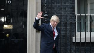 L'ex-maire de Londres Boris Johnson quitte le 10, Downing Street après une entrevue après lanouvelle Première ministre britannique Theresa May,jeudi 13 juillet 2016 à Londres. (OLI SCARFF / AFP)