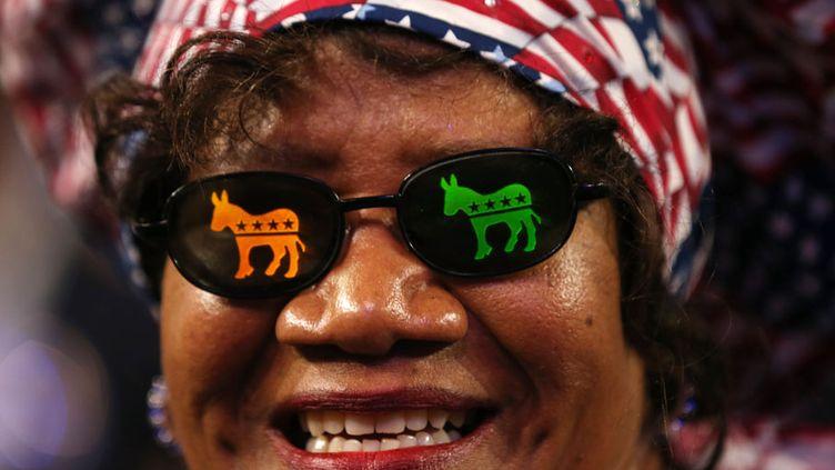 A Charlotte (Caroline du Nord), les délégués redoublent d'originalité pour afficher leur soutien au parti démocrate, à Barack Obama ou à l'Amérique. (JUSTIN SULLIVAN / GETTY IMAGES / AFP)