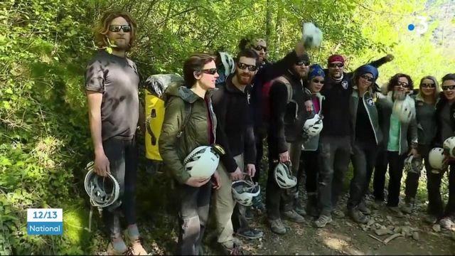 Ariège : les 15 volontaires confinés dans une grotte ont retrouvé la lumière