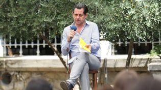 Olivier Py a tenu une conférence de presse ouverte au public, samedi 26 juillet.  (Angelique Surel/Le Dauphiné/MAXPPP)