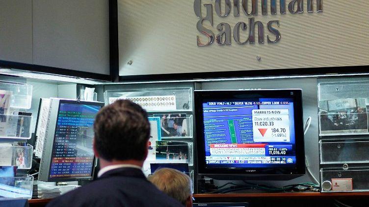 Des employés de la banque Goldman Sachs à New York(Etats-Unis), le 27 avril 2010. (CHRIS HONDROS / GETTY IMAGES NORTH AMERICA)