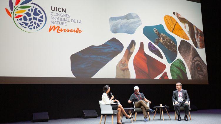 Une table ronde pendant le Congrès mondial de la nature, à Marseille, le 6 septembre 2021. (QUENTIN HULO / HANS LUCAS / AFP)
