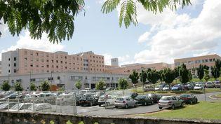 Houria, une femme de 34 ans poignardée par son ex-mari le 23 juin 2018, est hospitalisée au CHU d'Angoulême (Charente). Son pronostic vital est engagé. (MAXPPP)