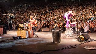 Les Stray Cats sur scène. (SUZIE KAPLAN)