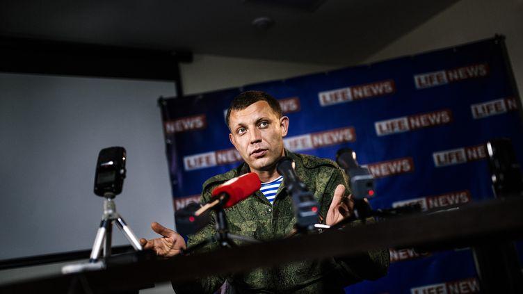 Le numéro 2 des insurgés ukrainiens,Alexandre Zakhartchenko, le 15 août 2014, à Donetsk (Ukraine). (DIMITAR DILKOFF / AFP)