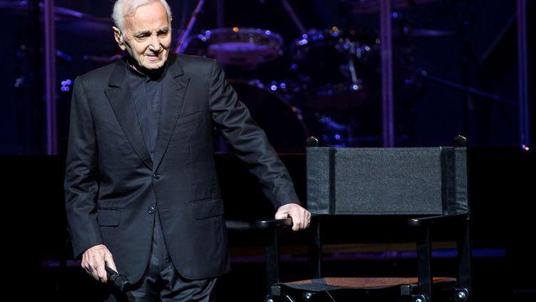 Charles Aznavour lors d'un concert à Barcelone (Espagne), en avril 2018. (QUIQUE GARC?A / EFE)
