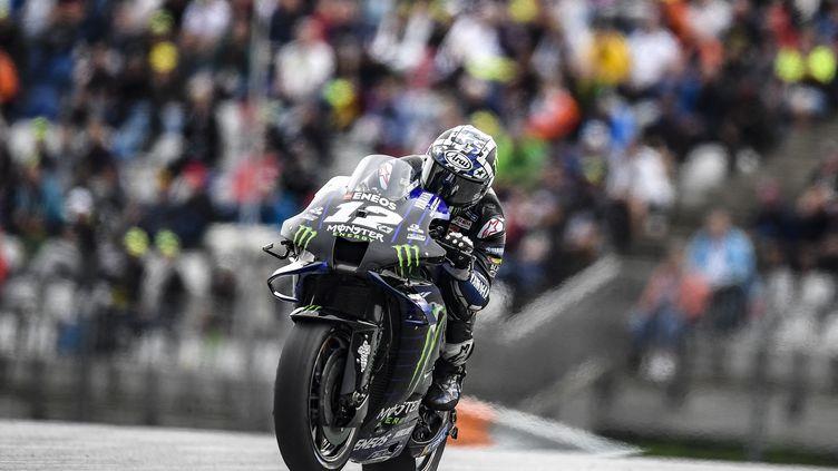 L'Espagnol Maverick Viñales au guidon de sa Yamaha Factory lors du GP de Styrie, le8 août 2021. (GIGI SOLDANO / GIGI SOLDANO / AFP)