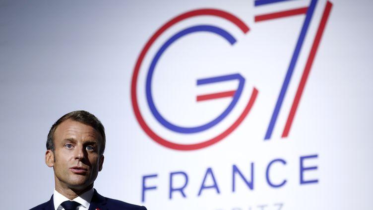 Le président Emmanuel Macron lors du sommet du G7 à Biarritz, le 25 août 2019. (IAN LANGSDON / AFP)