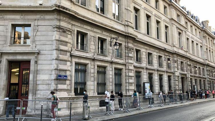 Un centre de dépistage du Covid-19 pour les personnes prioritaires a ouvert lundi 21 septembre dans le 4e arrondissement de Paris. (NOEMIE BONNIN / RADIO FRANCE)