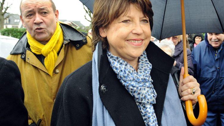 Martine Aubry en campagne en Bretagne le 27 février 2010: un sourire en prévision de la victoire ? (AFP - Fred Tanneau)