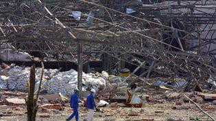 L'usine AZF après l'explosion à Toulouse (Haute-Garonne), le 21 septembre 2001. (DOMINIQUE FAGET / AFP)