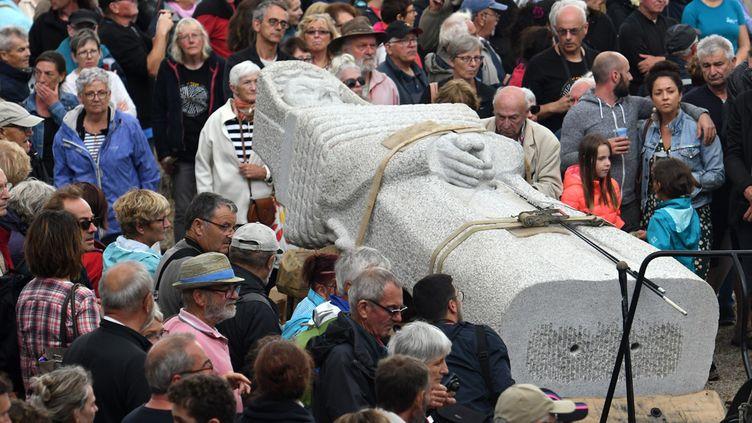 L'arrivée du cortège de la statue de Saint Piran à Canoët, dans les Côtes-d'Armor, le 27 juillet 2018  (Fred Tanneau / AFP)