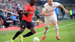 L'ailier rennais Sulemana contre Tottenham, jeudi 16 septembre 2021. (JEAN-FRANCOIS MONIER / AFP)