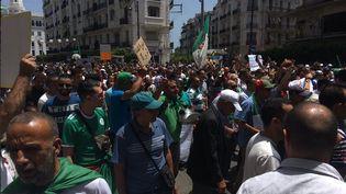 Les Algériens sont de nouveau dans la rue pour un 18e vendredi de manifestations, le 21 juin 2019. (CLEMENT PARROT / FRANCEINFO)