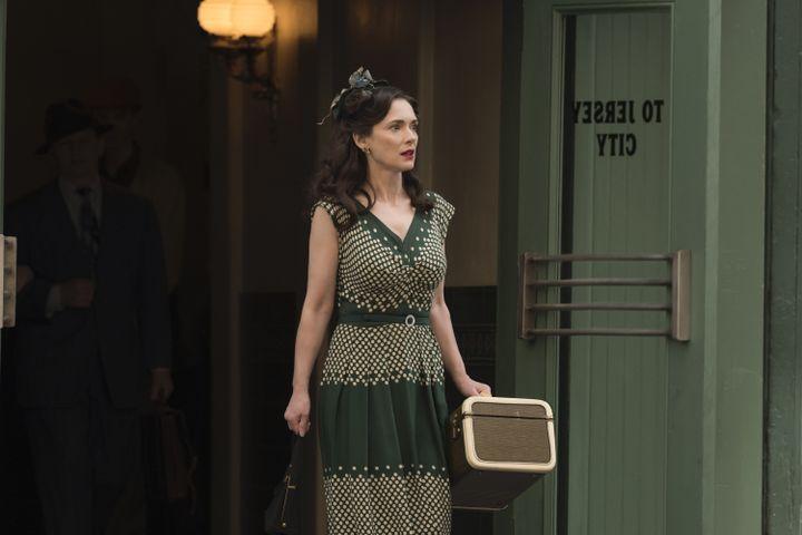 """Winona Ryder dans la série """"The Plot against America"""". (HBO)"""