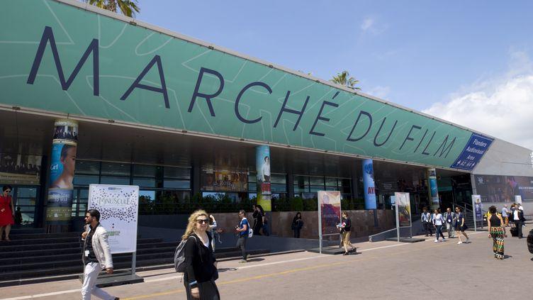 En parallèle du Festival de Cannes, les professionnels du cinéma du monde entier se donnent rendez-vous tous les ans depuis 60 ans au Marché du Film (ci-contre en 2018). (MANDOGA MEDIA / MANDOGA MEDIA)