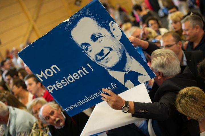 Des supporters de Nicolas Sarkozy assistent à son meeting à Lambersart, le 25 septembre 2014. (PHILIPPE HUGUEN / AFP)