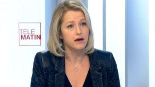 """La coprésidente du groupe écologiste à l'Assemblée nationale, Barbara Pompili, sur le plateau des """"4 Vérités"""", sur France 2,lundi 15 décembre 2014. ( FRANCE 2)"""