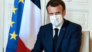 Emmanuel Macron lors de laquatrième édition du sommet Choose France à Versailles (Yvelines), le 28 juin 2021. (STEPHANE DE SAKUTIN / AFP)