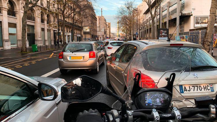 Un embouteillage, le 16 décembre 2019 à Paris. (JULIETTE PAVY / HANS LUCAS / AFP)
