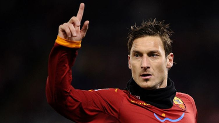 Le capitaine éternel de la Roma Francesco Totti (FILIPPO MONTEFORTE / AFP)