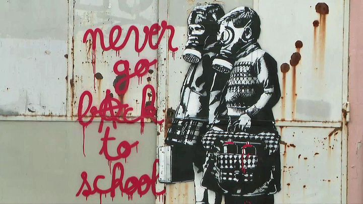 """"""" Never go back to school"""" by Goin -5 rue Roger Louis Lachat, Grenoble  (France 3 AURA)"""