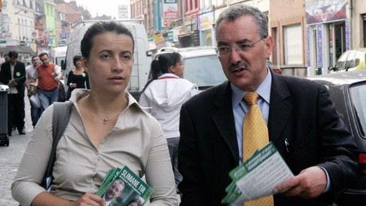 Cécile Duflot et Slimane Tir dans les rues de Roubaix en 2007 (illustration) (FRANCOIS LO PRESTI / AFP)