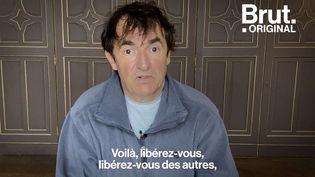 """VIDEO. """"La meilleure façon de redonner une identité à un pays en perdition, c'est la culture"""", estime Albert Dupontel (BRUT)"""