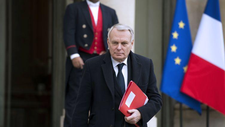 Le Premier ministre Jean-Marc Ayrault quitte l'Elysée (Paris), le 23 janvier 2014, aprèsla première réunion du Conseil stratégique de la dépense publique. (ALAIN JOCARD / AFP)
