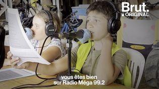 VIDEO. Dans la Drôme, des enfants aux manettes de leur propre émission de radio (BRUT)
