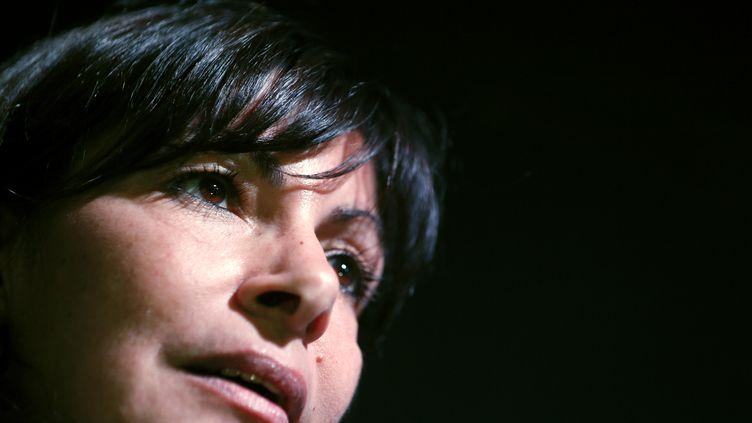 La première adjointe du maire de Paris, Anne Hidalgo, s'adresse à ses soutiens socialistes, le 21 janvier 2013 à Paris. (KENZO TRIBOUILLARD / AFP)