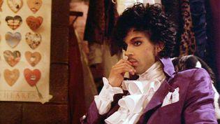 "Le chanteur Prince dans le film ""Purple Rain"", sorti en 1984. (WARNER BROS / AFP)"
