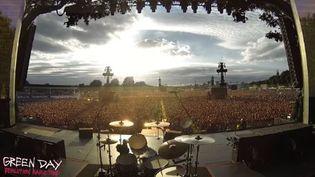 """65 000 fans deFans Green Day à Hyde Park entonnent """"Bohemian Rhapsody de Queen  (Capture d'écran)"""