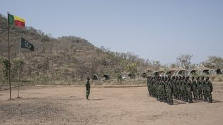 Une brigade chargée de la surveillance du parc national de la Pendjari, au nord du Bénin, en janvier 2018. (STEFAN HEUNIS / AFP)
