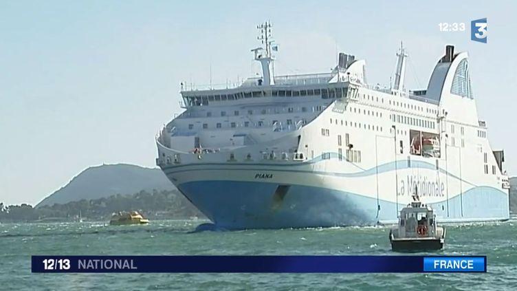 Un ferry de La Méridionale, compagnie concurrente de la SNCM, à Toulon (Var), le 8 juillet 2014. ( FRANCE 3 / FRANCETV INFO)