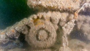 Un morceu de l'épave de l'Empire Broadword, au large des côtes normandes. (FRANCE 3)