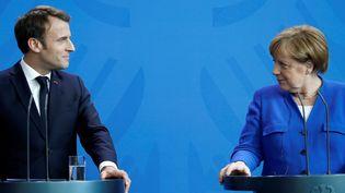 Le chef de l'Etat français Emmanuel Macron et la chancelière allemande Angela Merkel, le 29 avril 2019, à Berlin (Allemagne). (ODD ANDERSEN / AFP)