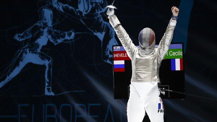Cécila Berder lors d'une de ses victoires. L'escrimeuse française a remporté en Chine cet été le titre de championne du monde de sabre en équipe, avec Manon Brunet, Caroline Queroli et Charlotte Lembach. (GETTY IMAGES)