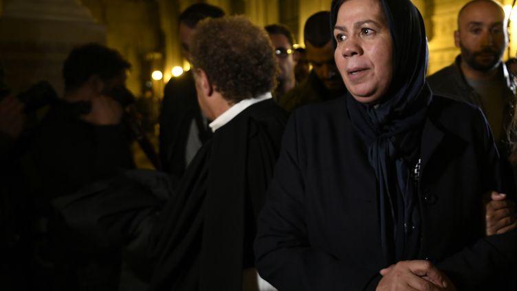 Latifa Ibn Ziaten, la mère d'une des victimes de Mohamed Merah, au procès du frère du terroriste, Abdelkader Merah, le 2 novembre 2017. (LIONEL BONAVENTURE / AFP)