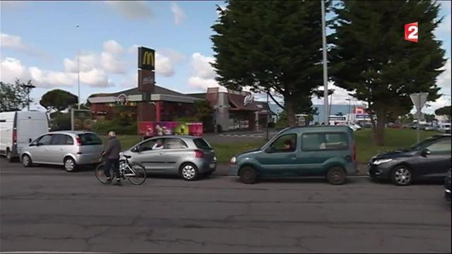 Pénurie de carburant : ruée sur les stations-essence dans l'ouest de la France
