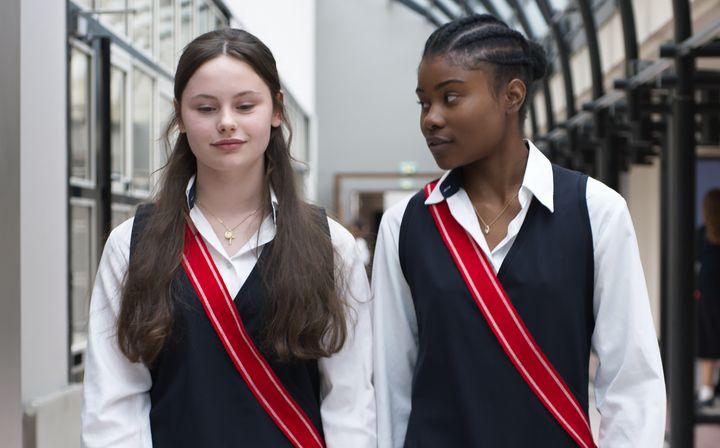 Fanny (Louise Labèque) et Mélissa (Wislanda Louimat) (Film Zombi Child)