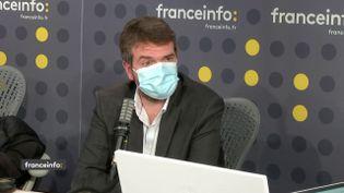 Julien Larère-Genevoix, petit-fils de l'écrivain Maurice Genevoix , le 11 novembre sur franceinfo. (FRANCEINFO / RADIOFRANCE)