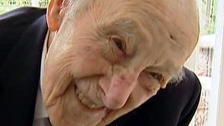 Henry Allingham était aussi le plus âgé des anciens combattants de la Première Guerre mondiale (© France 2)