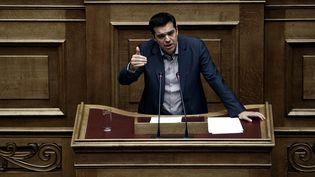 Alexis Tsipras devant le Parlement grec (Athènes), le 10 juillet 2015. (MENELAOS MYRILLAS / SOOC)