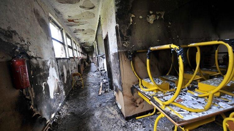 L'intérieur de l'école de Surbourg (Bas-Rhin), vandalisée et incendiée le 21 juillet 2009 (© AFP PHOTO FREDERICK FLORIN)