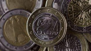 Des euros, le 14 septembre 2011. (JOEL SAGET/AFP)