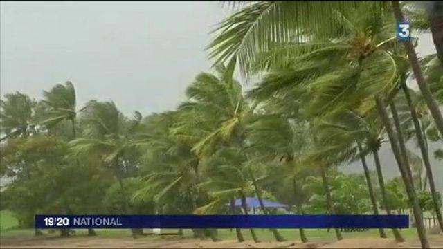Australie : des milliers d'évacuations pour le cyclone Debbie