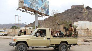 Des combattants séparatistes dans une rue d'Aden le 28 janvier 2018. (SALEH AL-OBEIDI / AFP)