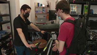 Technologie : transformez votre vélo en vélo électrique (France 2)